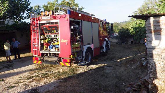 Požar auta u Bujama – 02.08.2016.g