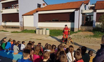 16.04.2019.Brixi u posjeti Osnovnoj školi RIVARELA u Novigradu 🔝❤️