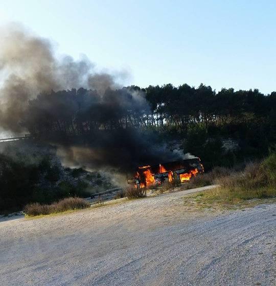 Požar autobusa kod Antenala – Novigrad 19.04.2016.