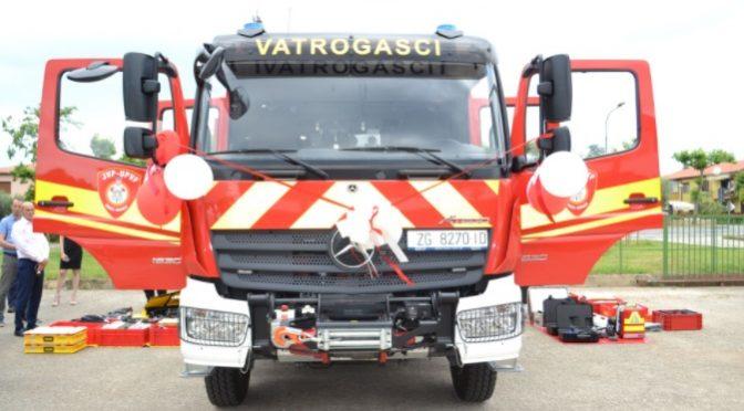 Javna vatrogasna postrojba Umag dobila novo interventno vozilo